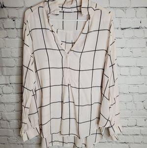 White and black lush blouse